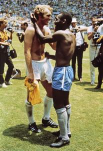 Pele & Moore (Bobby Moore)
